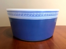 Brittany Blue with tart pan lid #485, 1960s