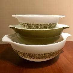 Verde cinderella bowls #444, 443, & 442, 1970s