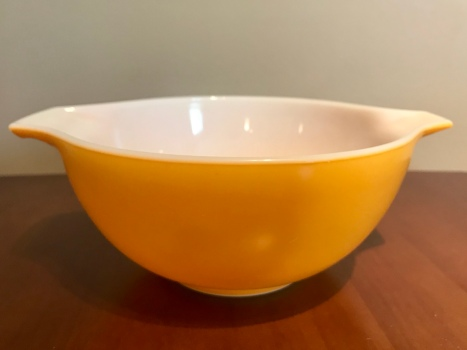 Town & Country Cinderella Bowl #442, 1960s