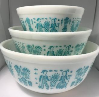 Butterprint Mixing Bowls #401, #402, #403